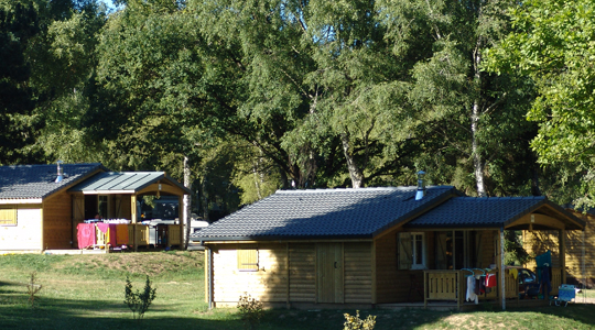 Chalet bois Charlay camping Miel