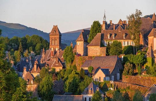 Ville de Salers dans le Cantal